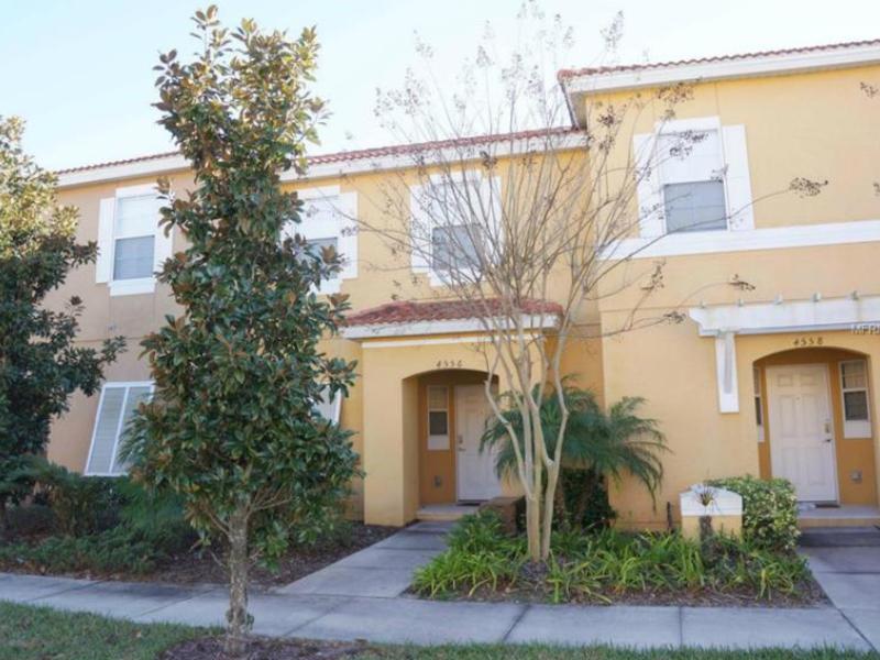 Casa Mobiliado com piscina particular em Bellavida Resort - Kissimmee - $214,900