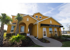 Casa Nova Mobiliado com Piscina em Resort - Orlando - $599,990