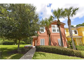 Townhouse 4 dormitorios com piscina particular no Encantada Resort - Kissimmee $217,000