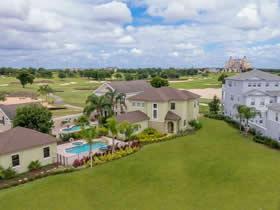 Casa de Luxo em frente o campo de golf - Reunion Resort - Kissimmee $599,900