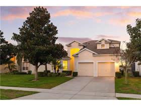 Casa de Ferias Mobiliado no Windsor Hills Resort em Frente a Lagoa $369,900