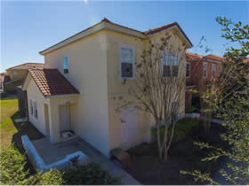 Townhouse 4 dormitorios de esquina na Bellavida Resort - Kissimmee $195,000