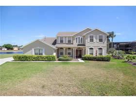Casarão de Luxo em Frente a Lagoa - Orlando $689,000