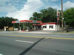 Posto de Gasolina e Loja de Convenianca A Venda em Leesburg, Florida $600,000