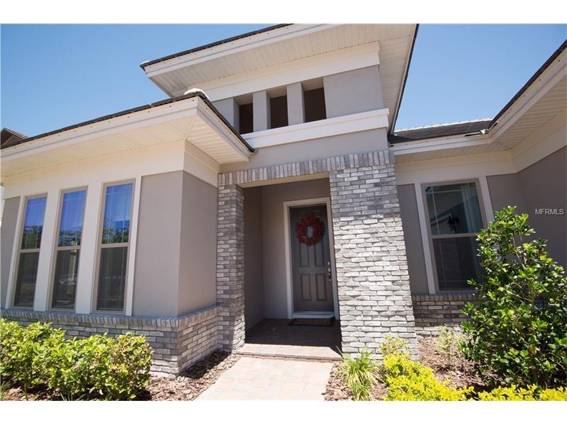 Casa de Luxo em frente a lagoa em Winter Garden - Orlando - $659,000