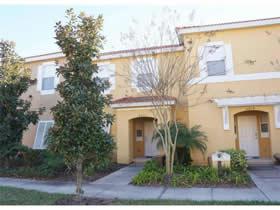 Casa Geminada Mobiliado com Piscina Particular na Bellaida Resort - Kissimmee - Orlando - $214,900