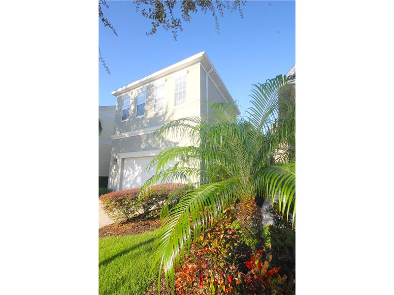 Casa de Luxo com Piscina em Reunion Resort em Frente o Campo de Golfe - $399,000