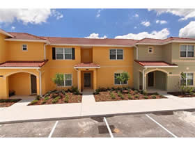 Novo Townhouse 4 Dormitorios no West Lucaya Village pertinho do Disney World Magic Kingdom $250,000