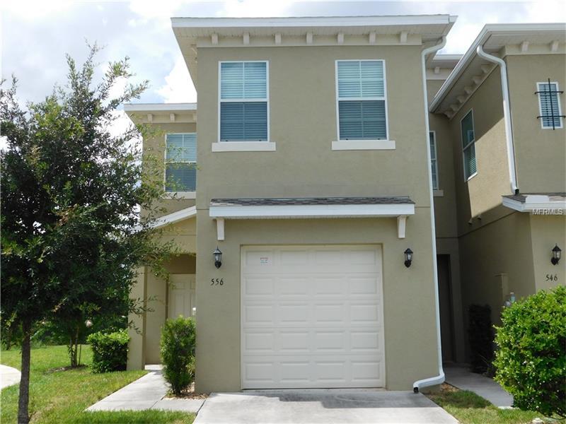 Casa Geminada 4 quartos com garagem em frente a lagoa - Davenport - $209,990