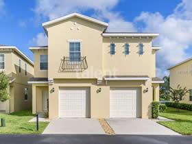 Nova Casa Geminada de 4 dormitórios em frente a lagoa com garagem - perto de Disney - $209,000