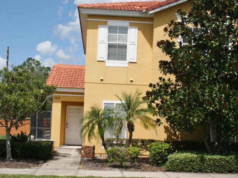 Casa Geminada 4 Dormitórios Mobiliado com Piscina Particular na Bellavida Resort - Kissimmee - $249,000