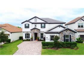 Casa de Luxo com Piscina Particular no Enclave - Bairro Nobre de Windermere - $599,000