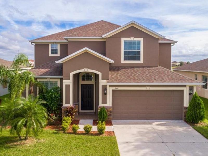 Casa De Luxo A Venda Em Frente A Lagoa - Orlando - $375,000