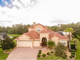 Mansão de Luxo em Frente A Lagoinha - Orlando Florida - $664,900