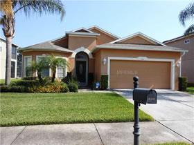Casa com piscina e 4 quartos pronto para férias ou aluguel em Davenport - Orlando $249,900