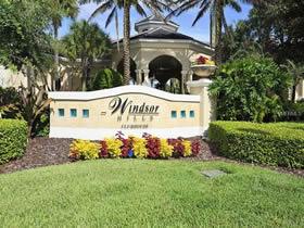 Townhouse de 3 quartos com piscina particular em Kissimmee - Orlando $239,900