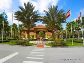 Townhouse de 3 quartos com piscina particular todo mobiliado em Orlando $219,000