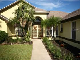 Casa com piscina em bairro nobre Dr. Phillips em Orlando $459,900