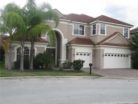 Casarão de 5 quartos com piscina em Orlando $374,900