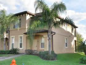 Townhouse de 4 quartos dentro de Condominio-Resort em Orlando $159,000