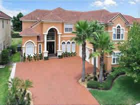 Mansão com Piscina em Orlando $599,000