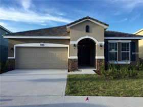Casa de 1º locação em condomínio fechado para férias com piscina em Davenport - Orlando $345,990