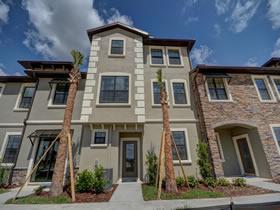 Apartamento novo 4 dormitorios em Champions Gate Resort Condominio - Davenport - Orlando $342,240