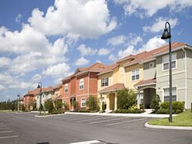 Nova Casa com Piscina em Paradise Palms Resort Condominio - Orlando $413,000