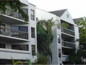 Apartamento em Calusa Club Village, Miami $136,800