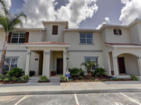 Casas Novas com Piscina Particular em Storey Lake Condominio Resort - Kissimmee - Orlando - À partir de $284,990