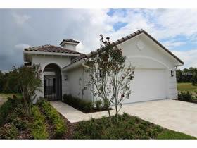 Nova casa com piscina 15 minutos ate Disney $346,506