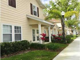 Lançamento - Casa de Ferias - 4 quartos - Lucaya Village Resort perto de Disney $249,000