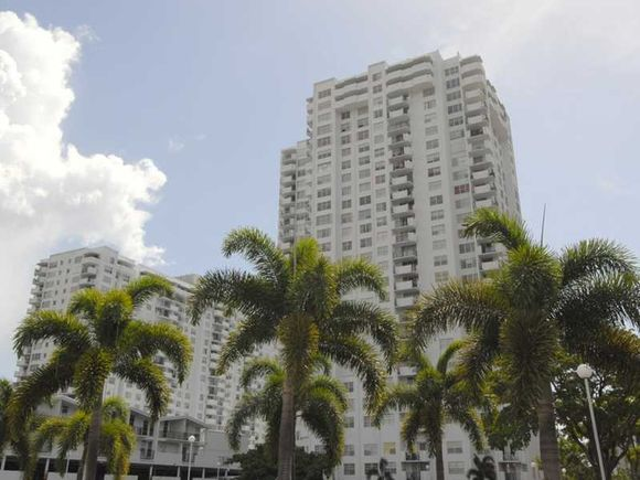 Apartamento com Vista do Mar - Miami 2 dormitorios - reformado - $269,900