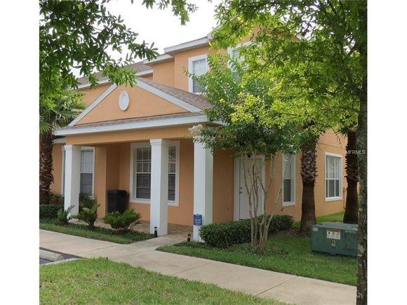 Townhouse mobiliado com piscina particular a venda em Orlando -3 dormitorios - $170,000