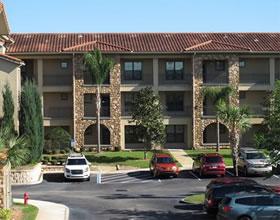 Apartamento Mobiliado - ALTA PADRAO - em Bella Piazzo Resort - 10 minutos a Disney - $140,000