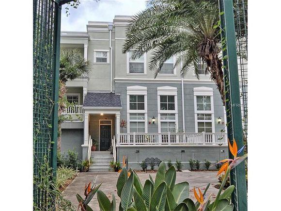 Casa em Downtown Celebration - Orlando - o lado da Disney World  -  $349,000
