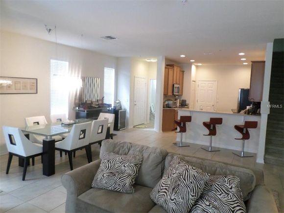 Casa dentro Condominio Fechado em Windermere - Orlando Perto de Disney Resorts - $229,000