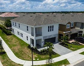 Mansão Novo 8 dormitórios com piscina em Reunion Resort - Kissimmee / Orlando - $599,000