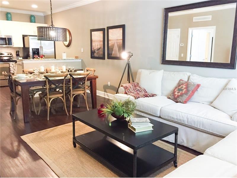 Townhouse Novo - 3 dormitórios - West Lucaya Village Resort - sinal de 30% dividido em 8 parcelas $214.000