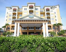 Apto 2 dormitorios no Lake Buena Vista Resort com contrato de aluguel rendendo 7% anual (2 anos)- $239,000